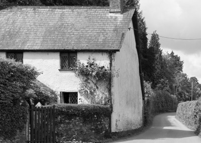 Old Devon cottage on small road