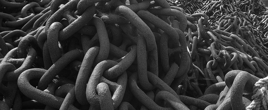 Blog Page - Large industrial metal chains